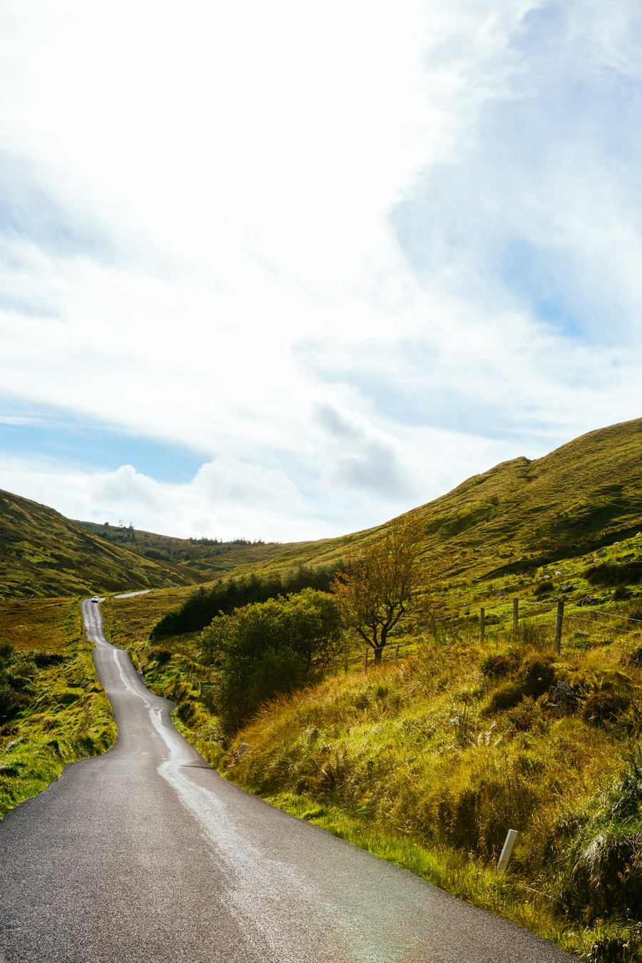 Route sinueuse d'Irlande